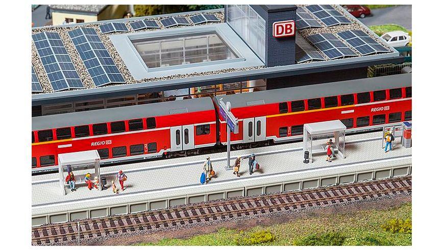 Faller 120202 H0 Moderner Bahnsteig mit Zubehoer