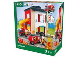 BRIO Bahn Grosse Feuerwehr Station mit Einsatzfahrzeug