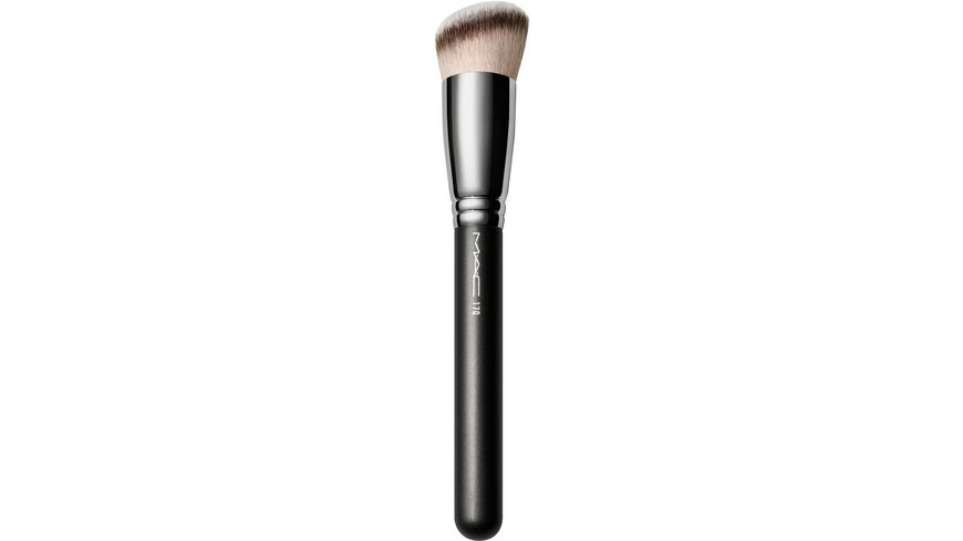 MAC Synthetic Rounded Slant Brush