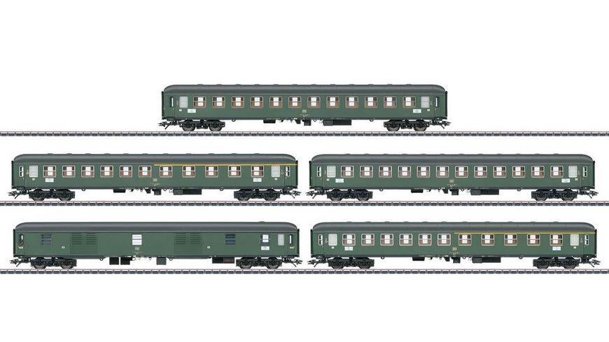 Maerklin 42918 Schnellzugwagen Set fuer Schnellzug D 360