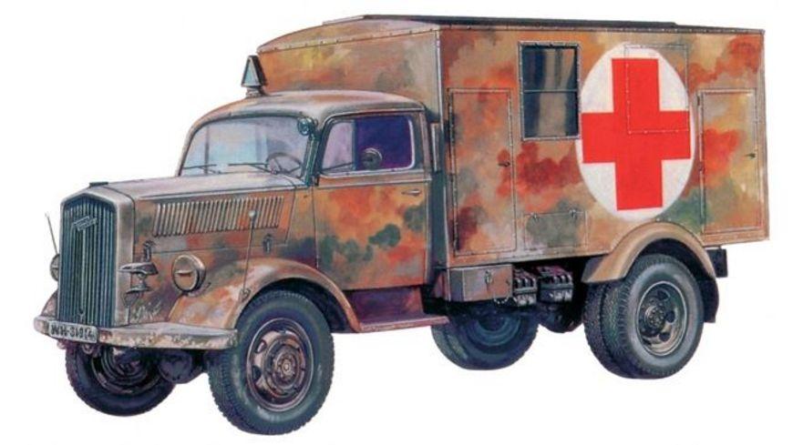 Italeri 7055 Militaerfahrzeug KFZ 305 AMBULANCE 1 72