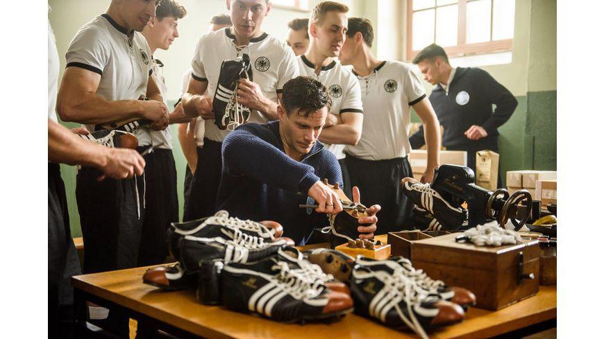 Duell der Brueder Die Geschichte von Adidas und Puma