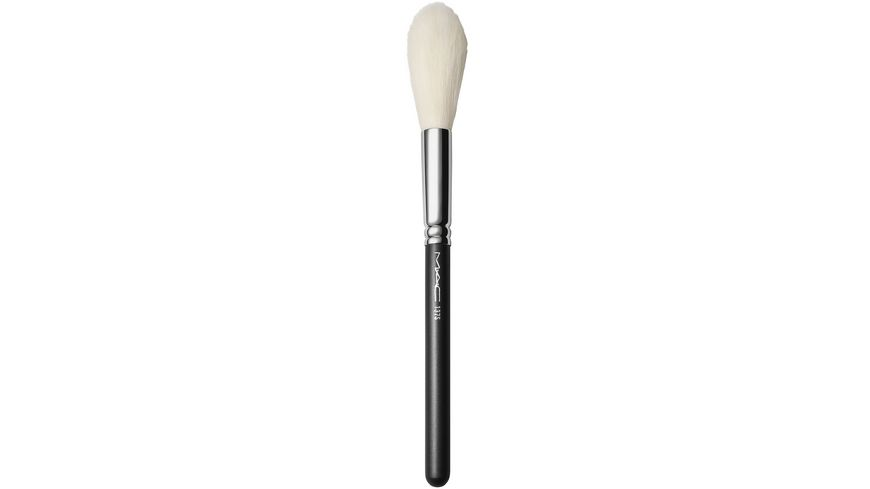 MAC 137S Long Blending Brush