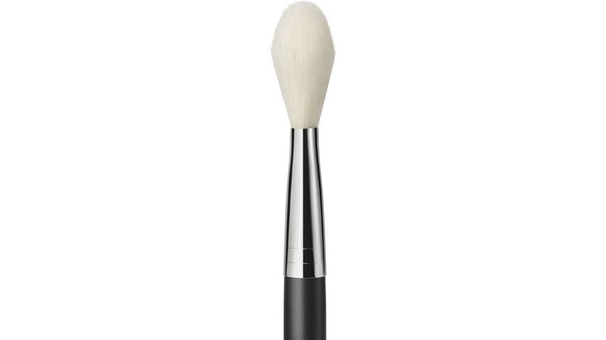 MAC 135S Large Flat Powder Brush