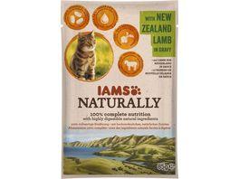 IAMS Naturally Katzennassfutter mit Lamm