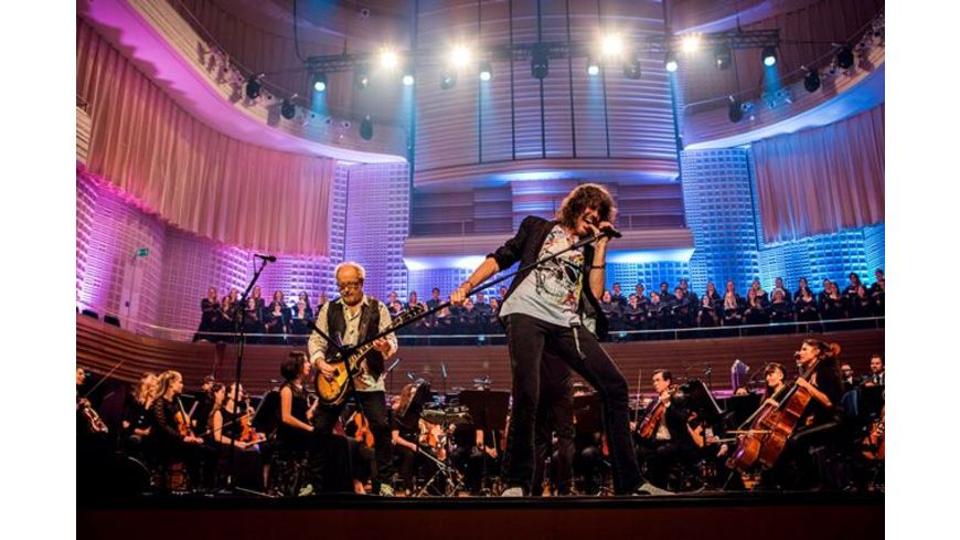 With The 21st Century Symphony Orchestra Chorus