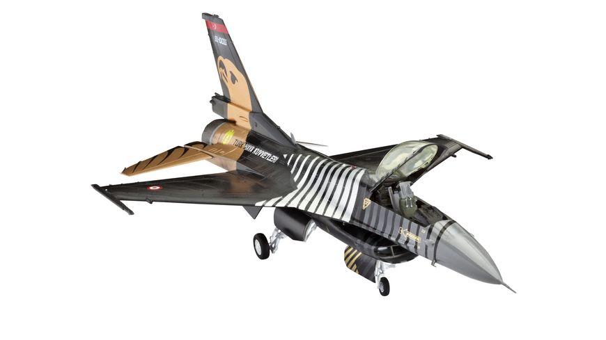 Revell - Lockheed Martin F-16 C Solo Türk