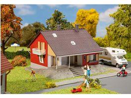 Faller 131355 H0 Wohnhaus mit Terrasse
