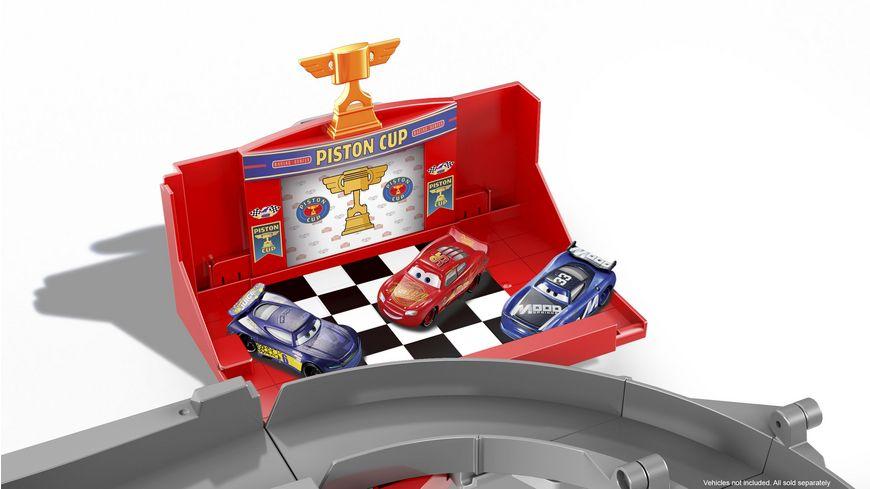 Mattel Disney Cars Macks Mega Rennwelt