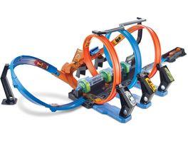 Hot Wheels Korkenzieher Crash Trackset mit 1 Spielzeugauto motorisierte Rennbahn