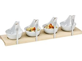 Snack und Vorspeisen Set Loeffel auf Holzbrett