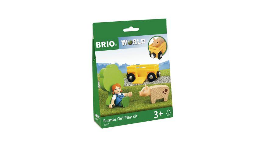 BRIO Bahn Spielpaeckchen Baeuerin mit Schwein