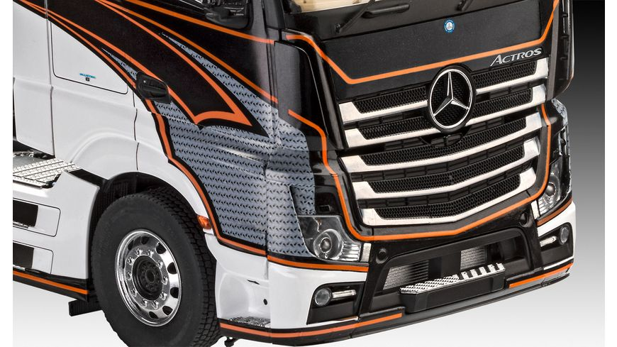 Revell 07439 Mercedes Benz Actros MP4 Massstab 1 24