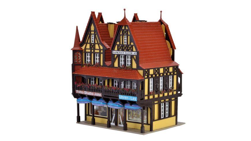 VOLLMER 43841 H0 - Geschäftshaus mit Inneneinrichtung und LED-Beleuchtung, Funktionsbausatz