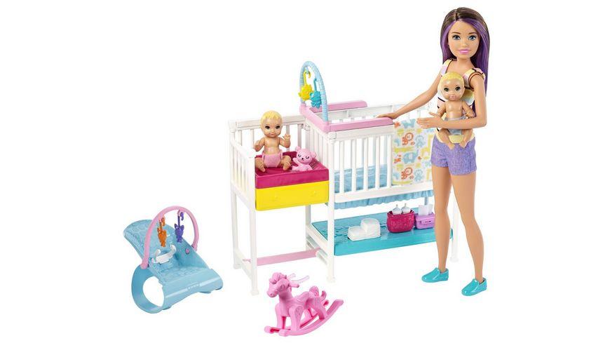 Barbie Skipper Babysitter Puppe (brünett), Kinderzimmer-Spielset mit Baby-Puppen