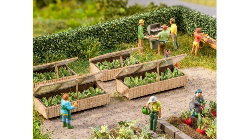 NOCH 14025 H0 Fruehbeete mit Salat 1 Stueck 4 x 1 6 cm 1 Stueck 2 6 x 1 6 cm