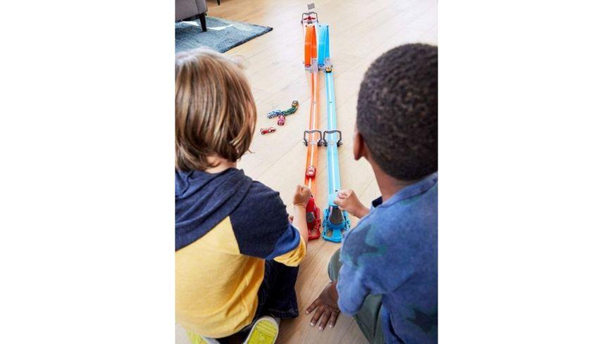 Mattel Hot Wheels Double Loop Die laengste Hot Wheels Strecke