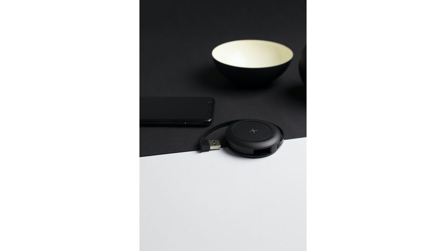 Xlayer Wireless Charger Colour Line schwarz mit 2 zusaetzlichen USB Lade Buchsen