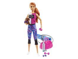Barbie Wellness Fitness Puppe und Spielset mit Huendchen und 9 Zubehoerteilen