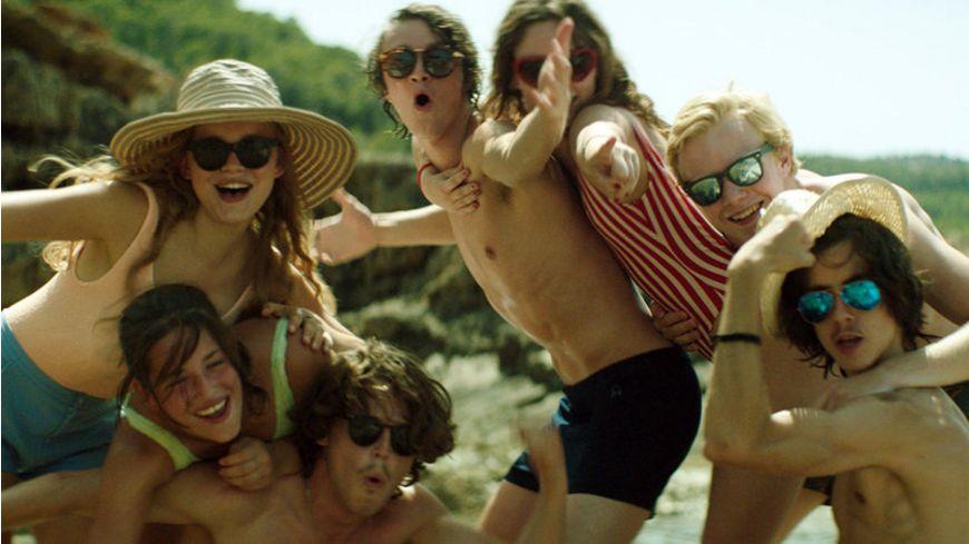 Wir Der Sommer als wir unsere Roecke hoben und die Welt gegen die Wand fuhr Kino Kontrovers