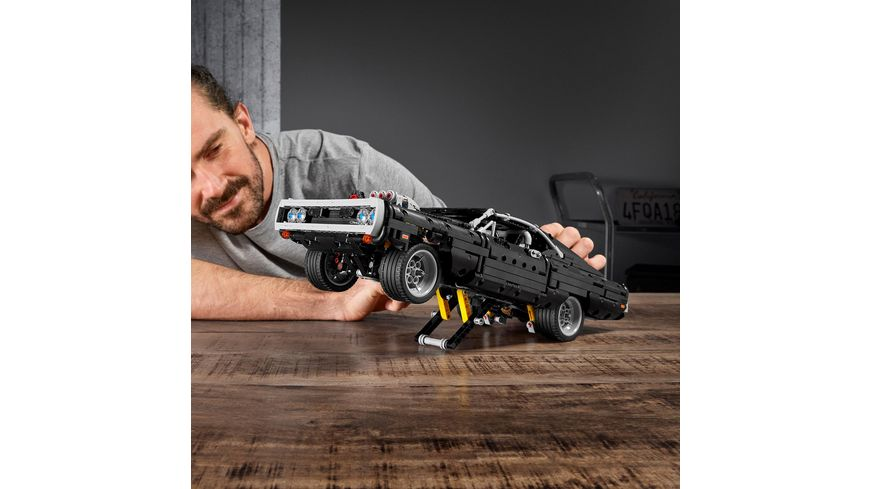 LEGO Technic 42111 Dom s Dodge Charger