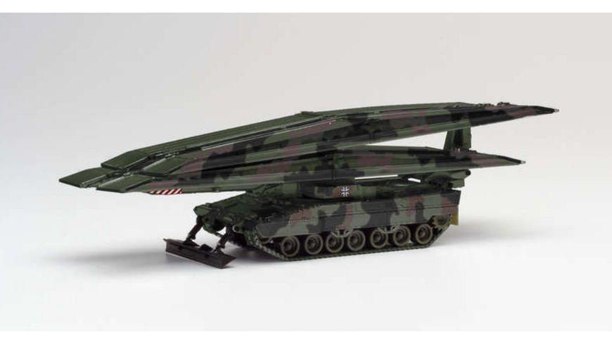 Herpa 746717 Brueckenlegepanzer Leguan dekoriert