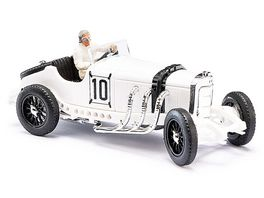 BUSCH 48301 1 87 Mercedes SSKL mit Fahrerfigur Hans Stuck