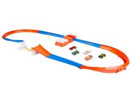 Mattel Hot Wheels Steilkurven Super Sprung Trackset im Retrostil mit 5 Hot Wheels Fahrzeugen Geschenk fuer Kinder ab 5 Jahren