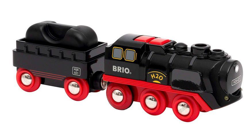 BRIO Bahn - 33884 Batterie-Dampflok mit Wassertank - Lokomotive mit echtem kühlen Dampf und Wasserbehälter zum Nachfüllen - Empfohlen ab 3 Jahren