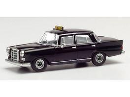 Herpa 095686 Mercedes Benz 200 Heckflosse Taxi schwarz