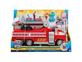 Spin Master PAW Patrol Marshalls Transformations Feuerwehrwagen aus dem Kinofilm Deluxe Verwandlungsfahrzeug mit Spielfigur und Zubehoer und extra langer Leiter ab 3 Jahren