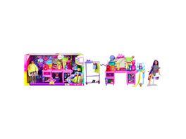 Barbie Extra Spielset mit Puppe Stylingtisch und mehr als 45Zubehoerteilen