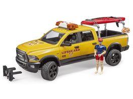 BRUDER RAM 2500 Power Wagon Life Guard mit Figur Stand Up Paddle und Light Sound Modul 02506