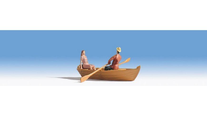 Noch Ruderboot nicht schwimmfaehig