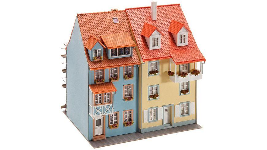 Faller 130494 H0 2 Kleinstadthaeuser mit Malergeruest