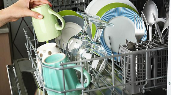 Porzellan in Spülmaschine