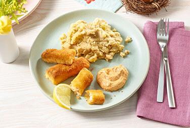 Lachsstäbchen mit Kartoffel-Mandel-Püree