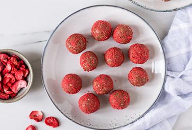 Erdbeer Hafer Energy Balls