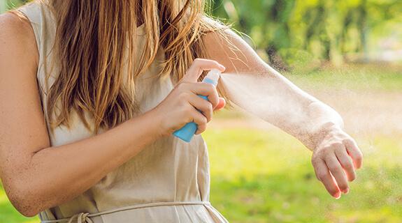 Schutz vor Stechmücken und Zecken