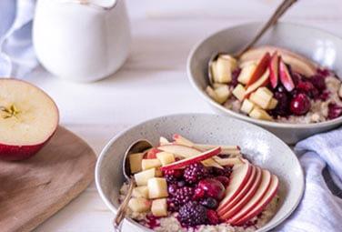 Hafer-Porridge mit Obst
