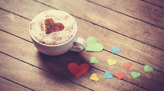 Cappuccino mit Kakoa-Herz