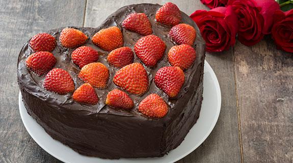 Pastel de chocolate en forma de corazón