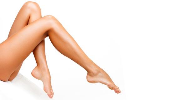Haarfreie, lange Beine