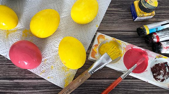 Emoji-Eier - Farbe trocknen lassen