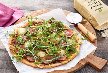Pizza de salami con base de coliflor