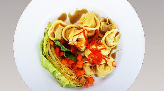 Tortellini Gemüse mit Zitronen-Spitzkohlspalten