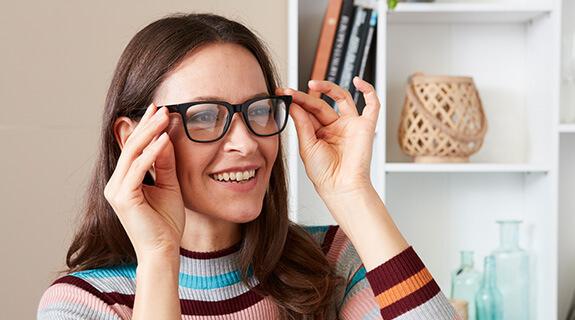 Mit Uhu reparierte Brille - Endergebnis