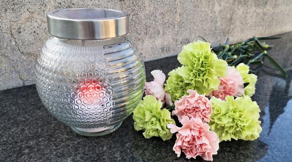 Vestina SOLAR nagrobna sveča