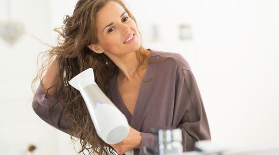 Haare föhnen
